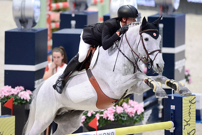 France, Villepinte : Jerome GUERY (BEL) riding Papillon Z during the Longines Masters of Paris 2017, on December 1 , 2017, in Villepinte, France - Photo Christophe Bricot