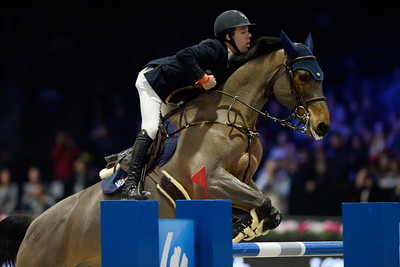 France, Villepinte : Maikel VAN DER VLEUTEN (NED) riding VDL Groep Arera C during the Longines Masters of Paris 2017, on December 2 , 2017, in Villepinte, France - Photo Christophe Bricot
