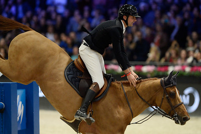 France, Villepinte : Nicolas DELMOTTE (FRA) riding Urvoso du Roch during the Longines Masters of Paris 2017, on December 2 , 2017, in Villepinte, France - Photo Christophe Bricot