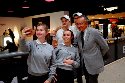 "France, Villepinte : ""selfie"" with Pierre Durand  during the Longines Masters of Paris 2017, on December 2 , 2017, in Villepinte, France - Photo Christophe Bricot"