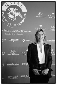 Mathilde Seigner,comédienne française, pendant le 95e Prix Qatar Arc de Triomphe, le 2 Octobre 2016, à Chantilly, France - Photo Christophe Bricot / Bestimage