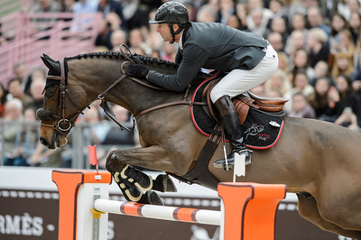 France, Paris : Patrice DELAVEAU riding Lacrimoso 3 HDC during the Saut-Hermès Jumping competition in the Grand-Palais, on March 19th , 2017, in Paris, France - Photo Christophe Bricot