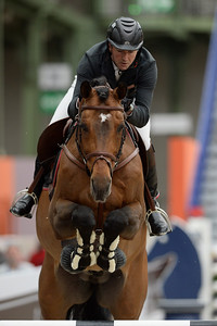 France, Paris : Patrice DELAVEAU riding Carinjo HDC during the Saut-Hermès Jumping competition in the Grand-Palais, on March 19th , 2017, in Paris, France - Photo Christophe Bricot