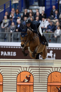 France, Paris : Maikel VAN DER VLEUTEN riding Salomon during the Saut-Hermès Jumping competition in the Grand-Palais, on March 18th , 2017, in Paris, France - Photo Christophe Bricot