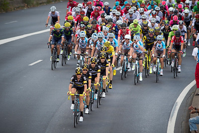 France, Courbevoie : Great Britain's Christopher Froome, wearing the overall leader's yellow jerse and his team during the 103rd edition of the Tour de France cycling  in July 24th , 2016, in Courbevoie, France - Photo Christophe Bricot.