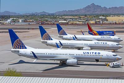 United Airlines Boeing 737-924ER N61898 5-5-20