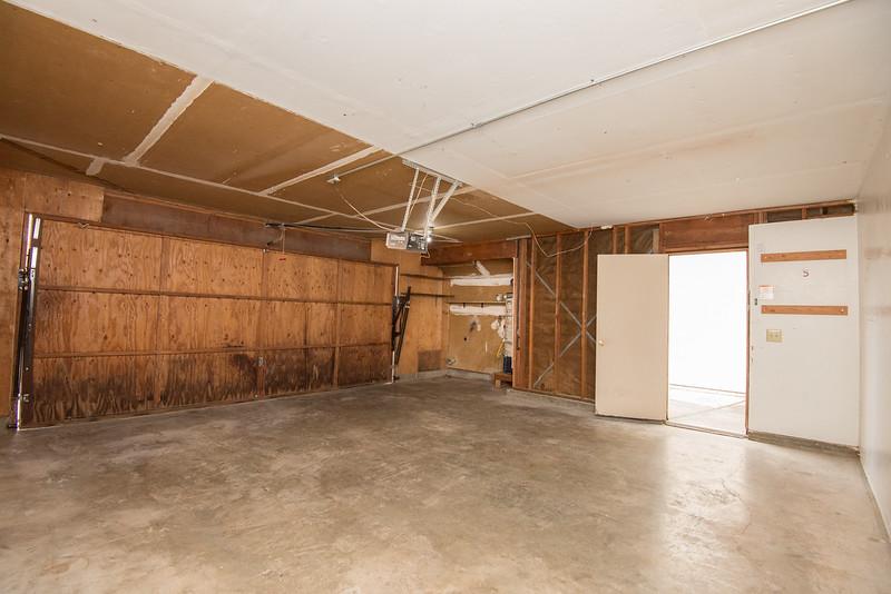 DSC_0428_garage