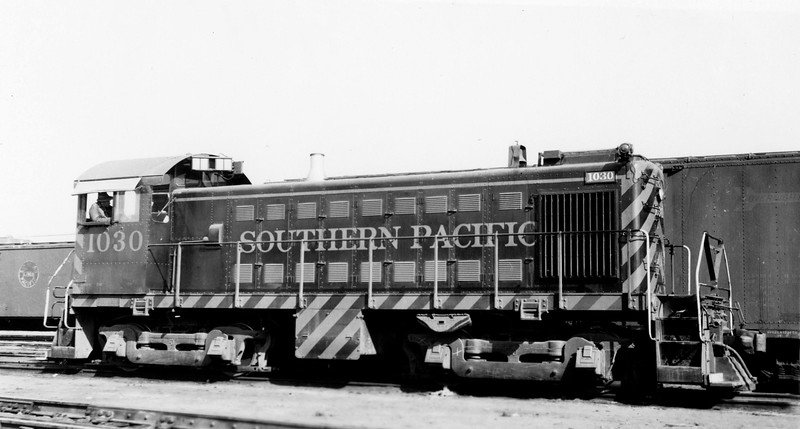 1030 Class DS-8, right side, Watsonville Junction CA, 8/7/55<br /> (Fred A. Stindt)