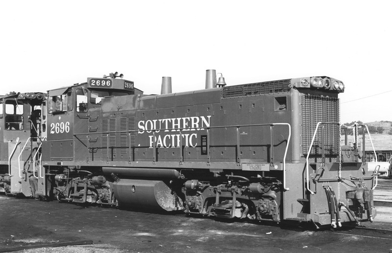 2696 Class ES415-7, right front, location and date unknown<br /> (Henry Brueckman)