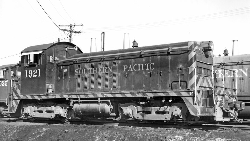 1921 Class ES410-2, right front, Miller Yard, Dallas TX, 11/24/68<br /> (Charles M. Mizell)