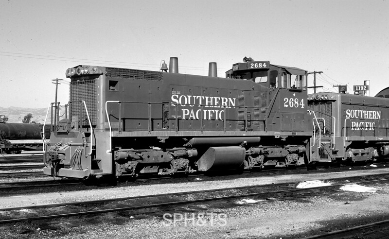 2684 Class ES415-6, left front, w/ 1192, West Oakland CA, 5/24/75<br /> (Peter Arnold)