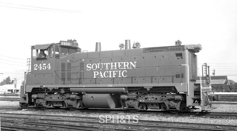2454 Class ES415-1, right side, Dolores Yard CA, 10/67<br /> (Joseph A. Strapac)