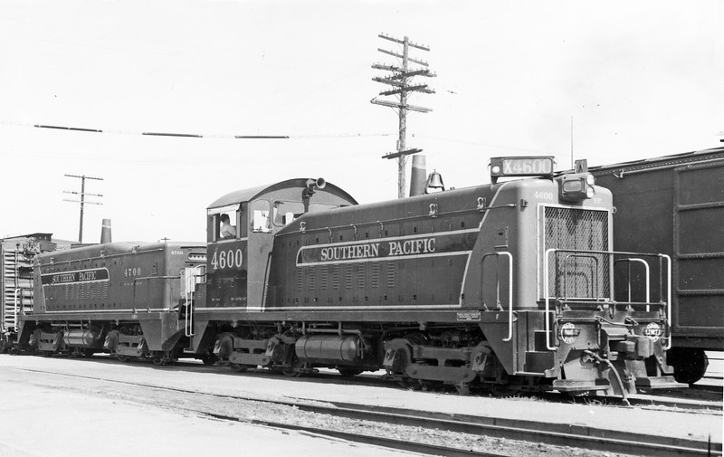 4600 Class DF-300, right front, mated to 4700 Class DF-301, Willits CA (NWP), 9/16/51<br /> Former EMD demonstration units that were purchased 4/25/51.<br /> (W. C. Whittaker)