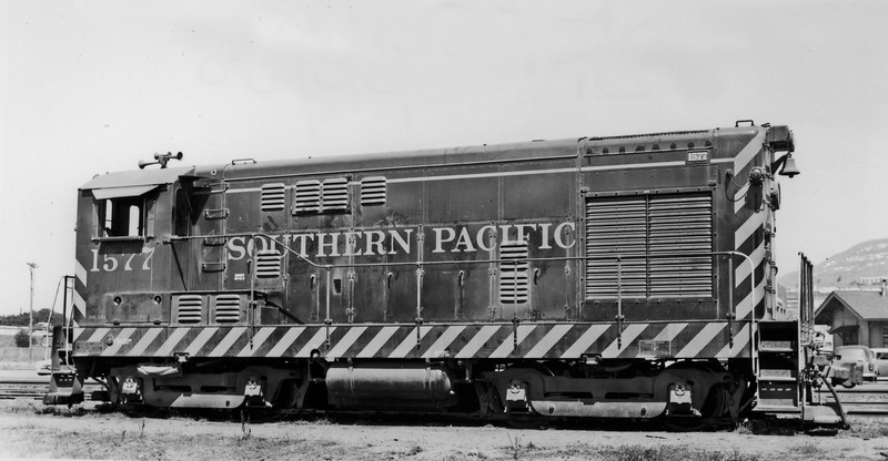 1577 Class DS-121, right side, South San Francisco CA, 5/21/58<br /> (Fred A. Stindt)