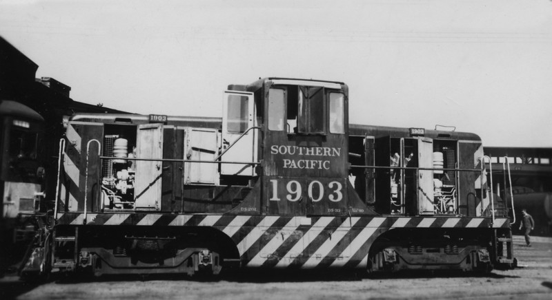 1903 Class DS-201, left side, West Oakland CA, 3/13/55<br /> (Ray Whitaker)