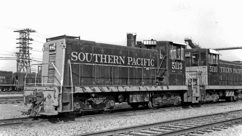 5113 Class DF-201, left front w/ 5110, West Oakland CA, 7/11/62<br /> (Bryan Griebenow collection)