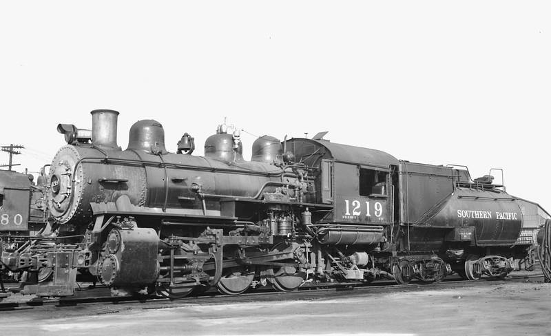 1219 Class S-10, left side, West Oakland CA, 8/20/50 <br /> (Tom Moungovan collection)