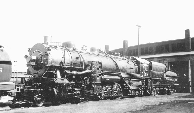 3683 Class F-4, left side, (Coal fuel), El Paso TX, 8/23/32 <br /> (SPH&TS collection)