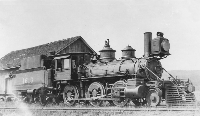 1613 Class M-1, right side, (Oregon) <br /> (H. H. Arey)