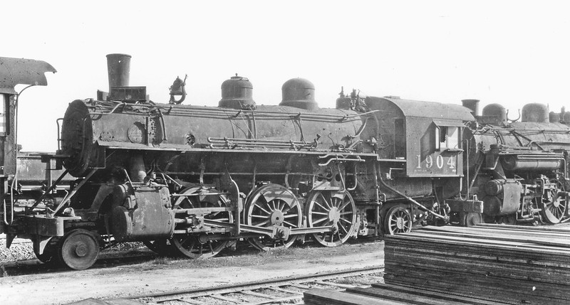 1904 (2nd) Class Pr-2, left side, Retired at Bayshore CA, Feb. 1935 <br /> (G. L. Dunscomb)