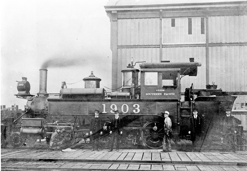 1903 Class S-1, left side, Oakland Pier CA, ~1908 <br /> (SPH&TS Collection)