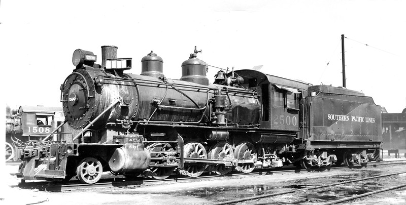 2500 (3rd) Class C-32, left side, Los Angeles CA, ~1943  <br /> (G. M. Best)