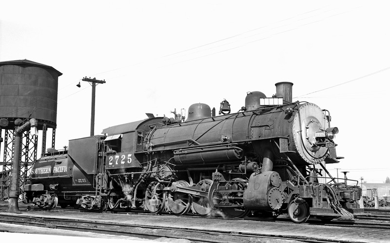 2725 Class C-8, right side, Watsonville Junction CA, 10/3/55  <br /> (Ray Whitaker: Inman collection)