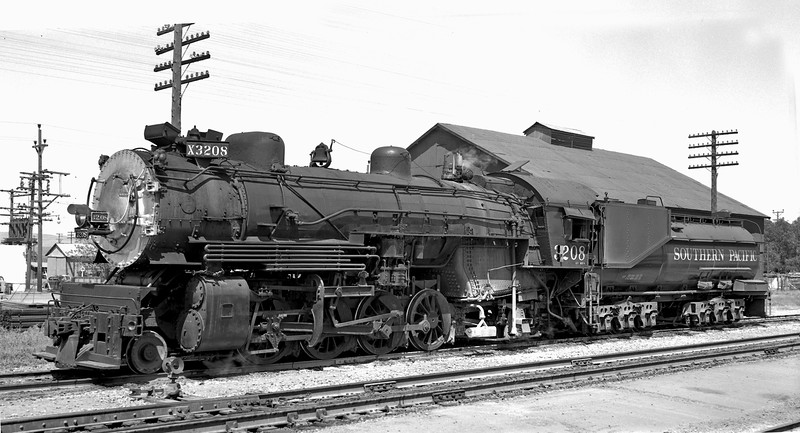 3208 Class Mk-4, left side, Livermore CA, 4/14/55  <br /> (H. F. Stewart: Moungovan collection)