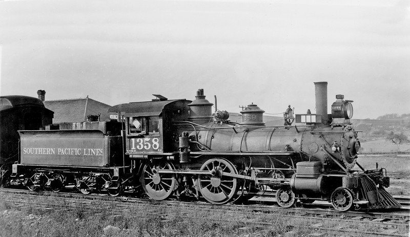 1358 Class E-11, right side, (Station sign unreadable) Oregon, 1923<br /> (H. H. Arey)