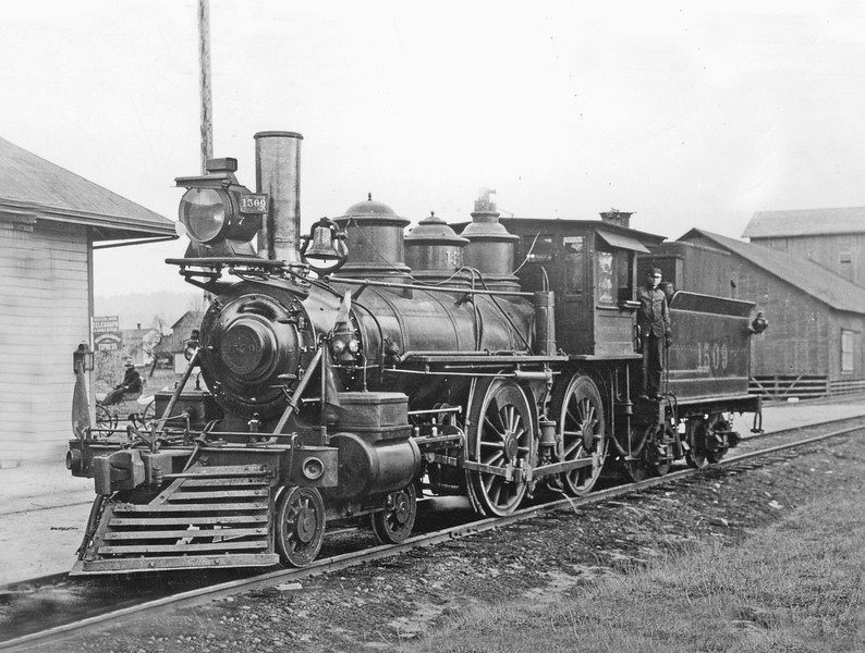 1509 Class E-17, left side, St. Joseph's  OR,  ~1908 <br /> (H. H. Arey)