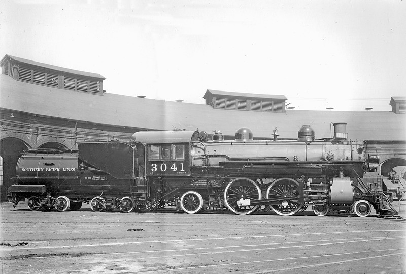 3041 Class A-3, right side, Sacramento CA, ~1922 <br /> (SP Photo)