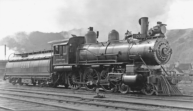 2219 Class T-3, right side, Roseburg OR, ~1915 (Waiting for train #20) <br /> (H. H. Arey)