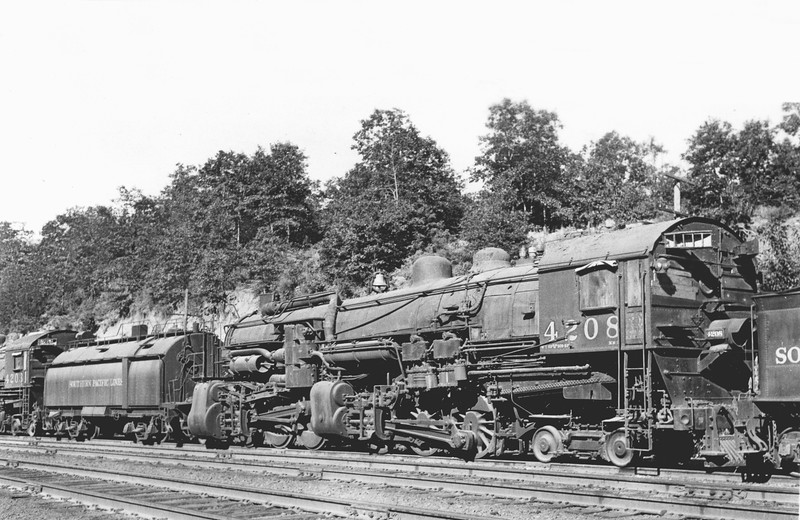 4208 Class MM-2, right side, No location or date <br /> (D. S. Richter collection)