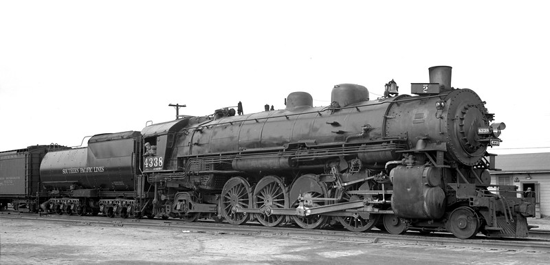 4338 Class Mt-3, right side, Colton CA, 12/29/40  <br /> (Allan Youell)