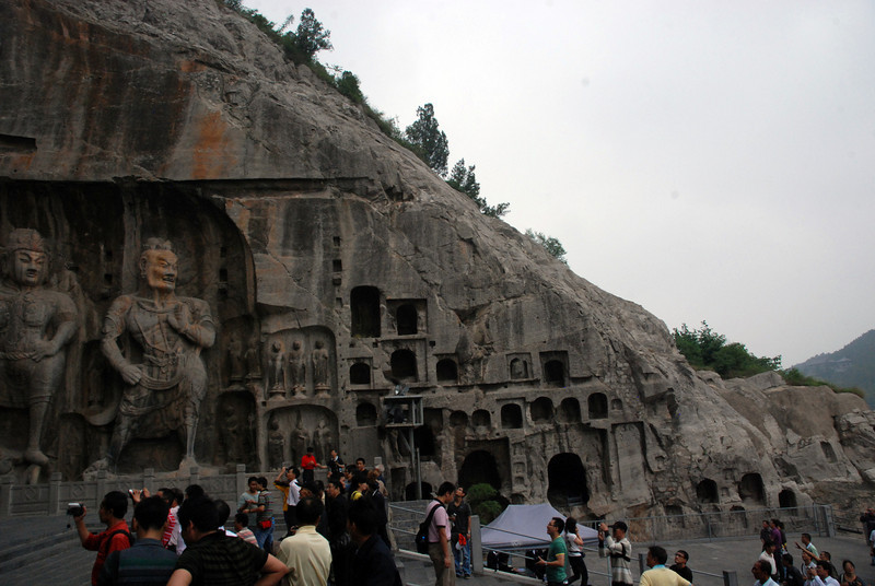 Figures 2 Longmen Grottoes