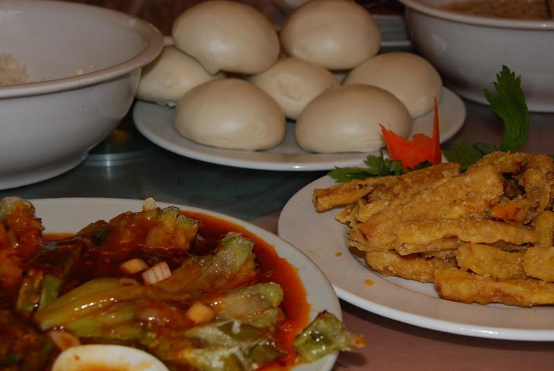 Cuisine at the Longmen Grottoes Restaurant 2