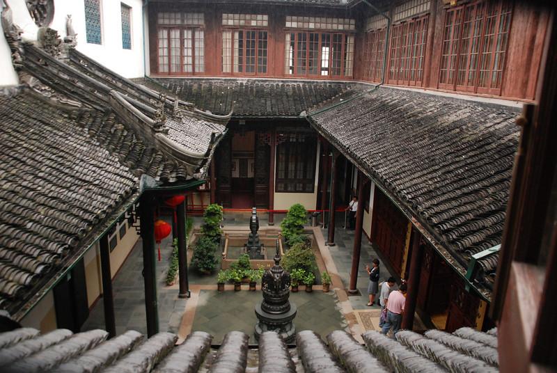 Shanghai's Jade Buddha Temple 8