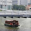 Cavenagh Bridge across the Singapore River (2)