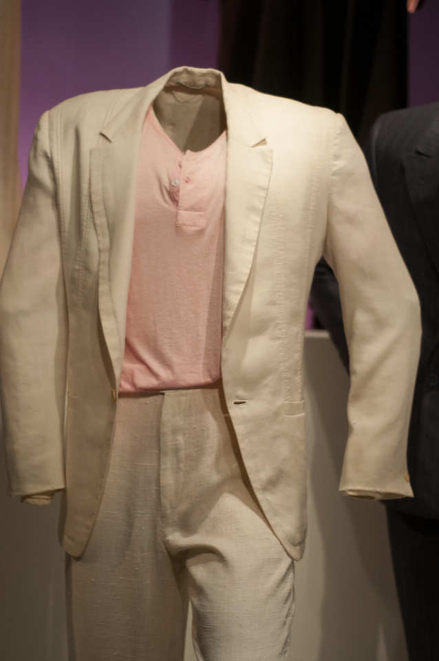 DON JONSONS SUIT ,MIAMI VICE