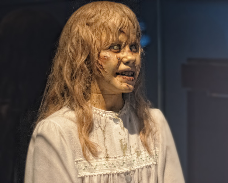 MASK AND OUTFIT FROM THE EXORCIST