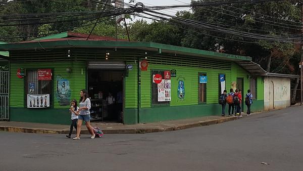 El Pingüino Corner Grocery