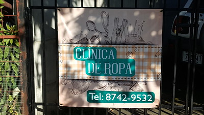 Clinica de Ropa New Sign