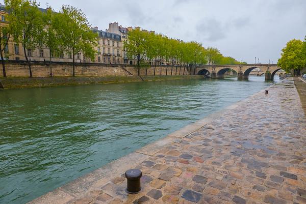 La Rive Droite, Paris