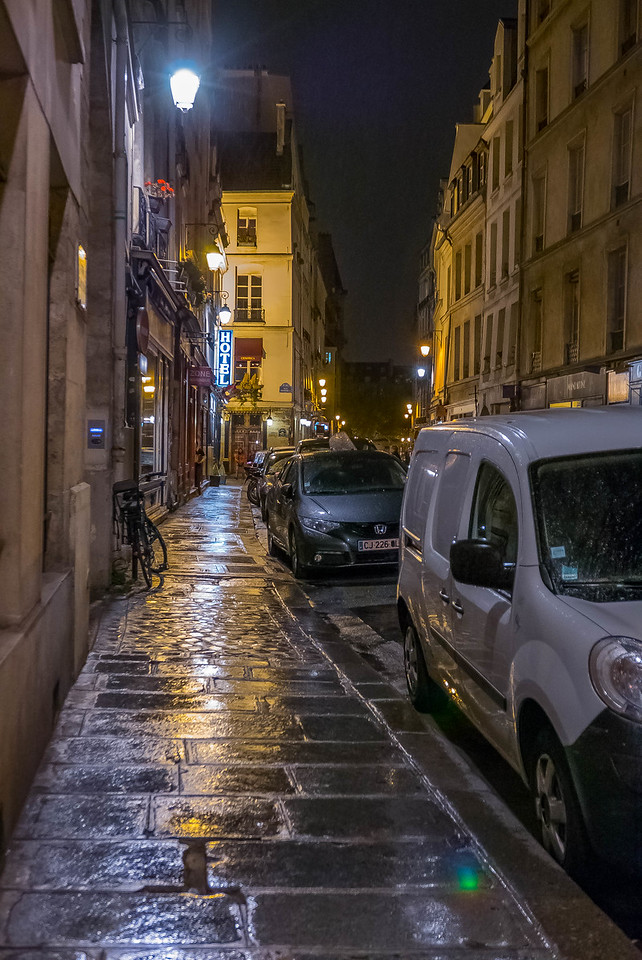 Rue St. Paul South, Paris
