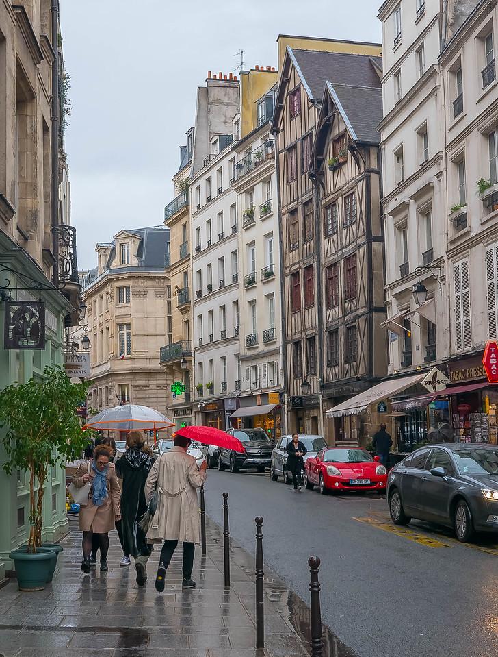 Rue Francois Miron, Paris