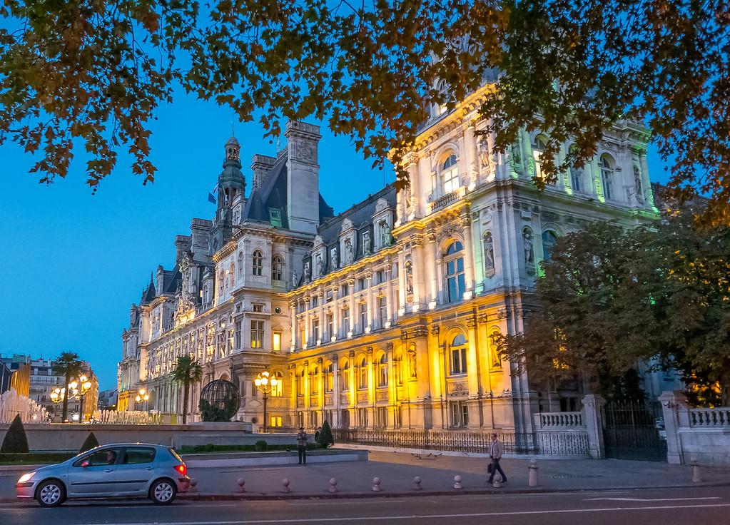 L'Hôtel de Ville, Paris