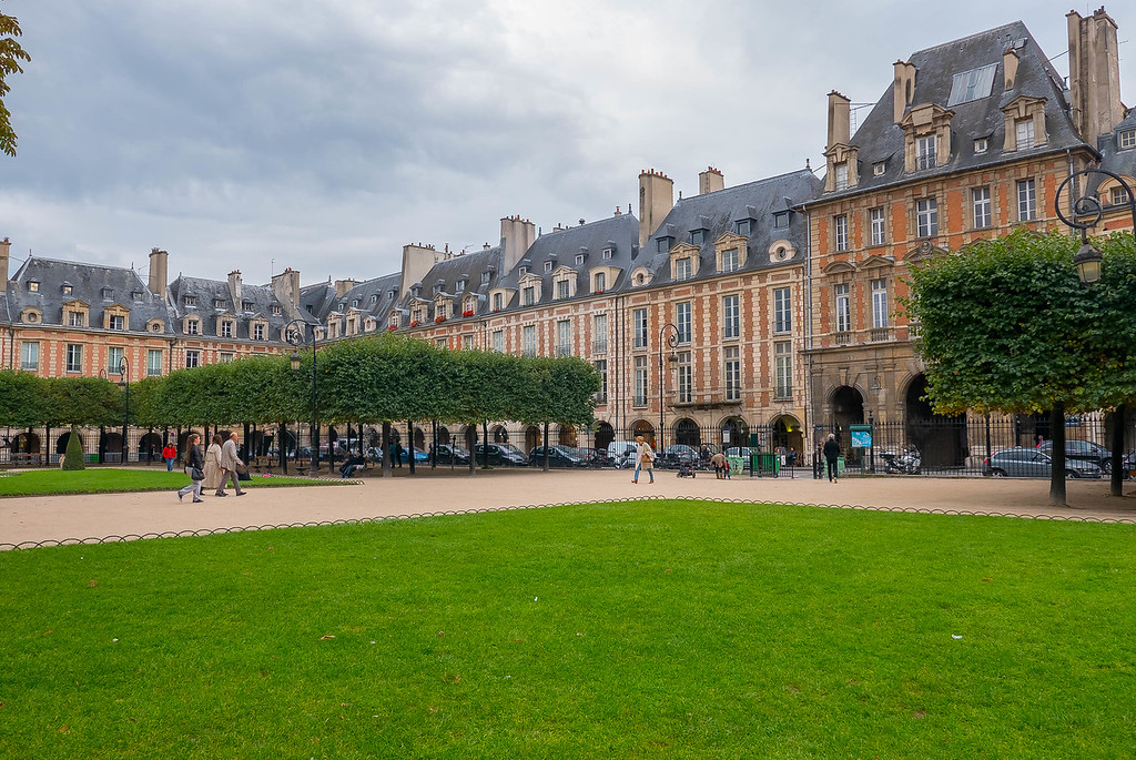 Place des Vosges 2, Paris