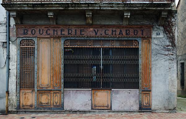 Derelict Boucherie in Montguyon, Nouvelle-Aquitaine