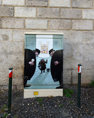 Angouleme - 2D Art on a Gas Delivery Network Box - France