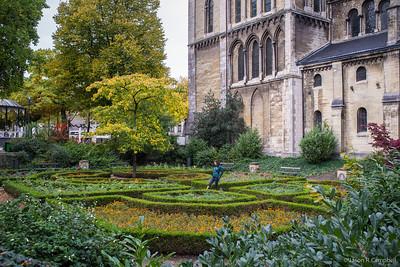 Munsterkerk Garden